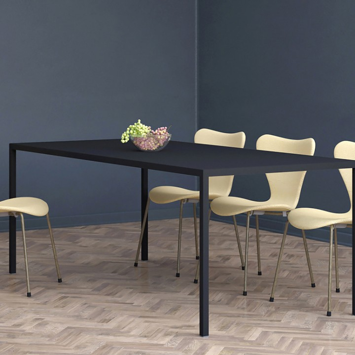 Minimalist-dining-table-Leo-black-2